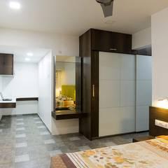 Dormitorios pequeños de estilo  por Taayan Designs