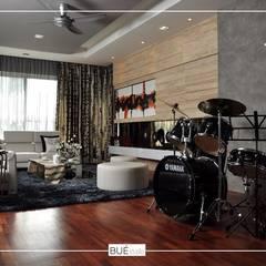 :  ห้องนั่งเล่น by Bue Studio Co.,Ltd.