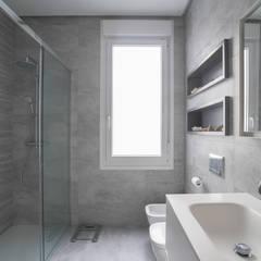 Vivienda en Ajuriaguerra - Urbana Interiorismo - Reformas - Interiorismo · Decoración Hogar: Baños de estilo  de Urbana Interiorismo, Moderno
