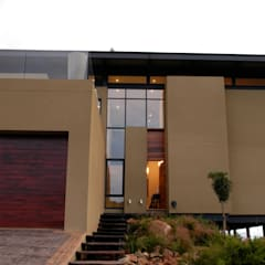 Hillside Haven - Loft House Bassonia:  Multi-Family house by CKW Lifestyle Associates PTY Ltd