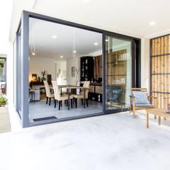 Namu House Varandas, marquises e terraços modernos por [i]da arquitectos Moderno