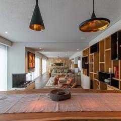 Casa Atlixco: Salas de estilo  por c27 arquitectura e interiores