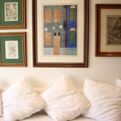 Apartamento MLA Salas de estar clássicas por Viviane Cunha Arquitectura Clássico
