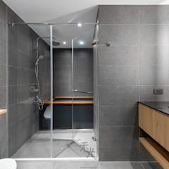 理性+感性:  浴室 by 禾光室內裝修設計 ─ Her Guang Design,