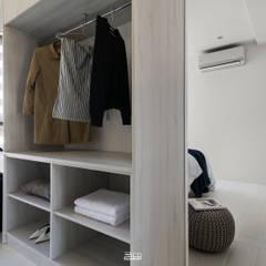 غرفة الملابس تنفيذ 邑田空間設計,