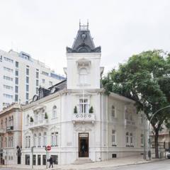 AV. DA LIBERDADE 193: Lojas e espaços comerciais  por Contacto Atlântico - Arquitectura,