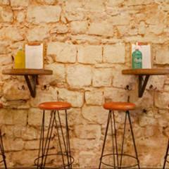 Vermutería Caporal: Bares y Clubs de estilo  de Piedra Papel Tijera Interiorismo