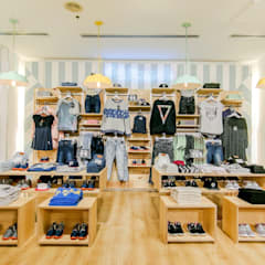 Offices & stores by Piedra Papel Tijera Interiorismo,