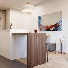 Дизайн інтер'єру двокімнатної квартири в стилі мінімалізм, Київ :  Кухня by Марина Янченкова