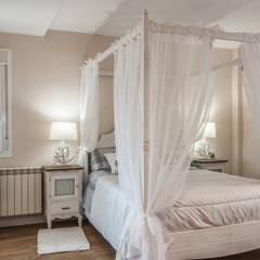 Bedroom by Simetrika Rehabilitación Integral