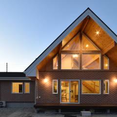 by 木の家株式会社 Modern Wood Wood effect