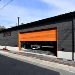 Garasi oleh 木の家株式会社, Modern Kayu Wood effect