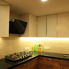 Mr. Yusuf Jarwala 1BHK@ Mazgoan, Mumbai:  Built-in kitchens by Midas Dezign