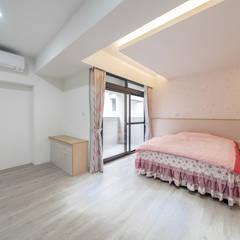 ห้องนอนขนาดเล็ก by 藏私系統傢俱