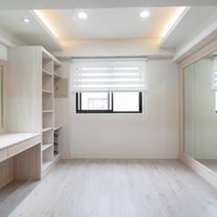 Projekty,  Garderoba zaprojektowane przez 藏私系統傢俱