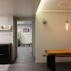 Dining room by 디아홀스 인테리어