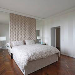 Phòng ngủ nhỏ by JFD - Juri Favilli Design