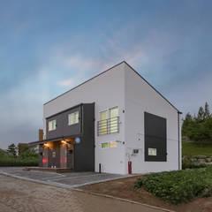 공간제작소 40py 형 대 모듈러주택: 공간제작소(주)의  목조 주택