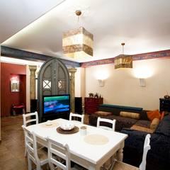 Квартира на Большеохтинском: Столовые комнаты в . Автор – дизайн-группа 'Лестница', Эклектичный