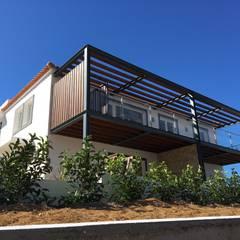 منازل التراس تنفيذ RSV Arquitetos Associados, بلدي الحديد / الصلب
