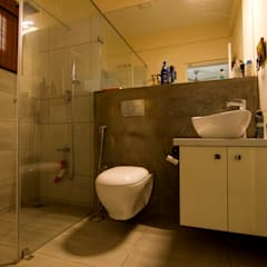 ABHILASH RESIDENCE Modern bathroom by de square Modern Concrete