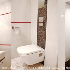Fragment domu w Mydlnikach pod Krakowem. : styl , w kategorii Łazienka zaprojektowany przez MAXDESIGNER