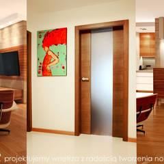 Apartament pod Wawelem : styl , w kategorii Salon zaprojektowany przez MAXDESIGNER