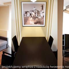 Mieszkanie na Os. Europejskim.: styl , w kategorii Salon zaprojektowany przez MAXDESIGNER