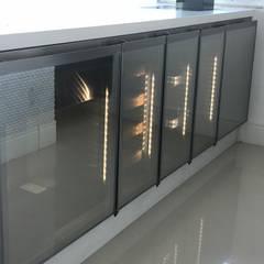 Balcón de estilo  por Gibeli Refrigeração