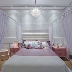 Girls Bedroom by Juliana Impellizieri , Classic Engineered Wood Transparent