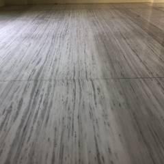 台中烏日區五層電梯別墅 - 雙葉莊:  客廳 by 讚基營造有限公司