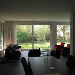 Uitbreiding en renovatie bungalow, Eijsden:  Bungalow door Verheij Architecten BNA