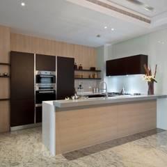 Kitchen units by 大桓設計顧問有限公司