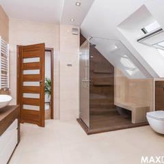Ostoja spokoju pod Krakowem Nowoczesna łazienka od MAXDESIGNER Nowoczesny