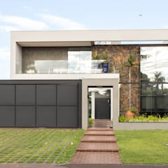 Detached home by Alessandro Ramos Arquitetura, Modern