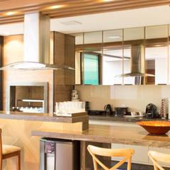 Residencia KN por Alessandro Ramos Arquitetura por Alessandro Ramos Arquitetura Moderno