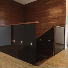 Błonie 1: styl , w kategorii Schody zaprojektowany przez Patryk Kowalski Architektura i projektowanie wnętrz