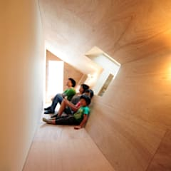 +3/11: モノスタ'70が手掛けた廊下 & 玄関です。,