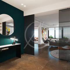 Modern Contemporary Apartment Interior Design:  Corridor & hallway by Comelite Architecture, Structure and Interior Design , Modern