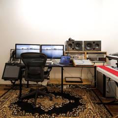 キューブBOXハウス モダンデザインの 書斎 の 一級建築士事務所 感共ラボの森 モダン