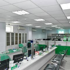 VĂN PHÒNG TẬP ĐOÀN MAI LINH:  Phòng học/Văn phòng by VAN NAM FURNITURE & INTERIOR DECORATION CO., LTD.
