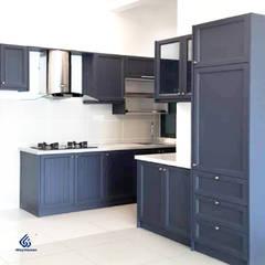 Wood Grain Kitchen Cabinets :  Commercial Spaces by Alloy Kitchen, Classic Aluminium/Zinc