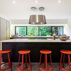 Handleless Kitchens :  Kitchen units by LWK Kitchens SA