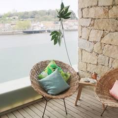 Balkon door Tangerinas e Pêssegos - Design de Interiores & Decoração no Porto, Mediterraan Steen