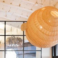 Locales gastronómicos de estilo  por Piedra Papel Tijera Interiorismo, Escandinavo