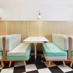 Restaurantes de estilo  por Piedra Papel Tijera Interiorismo
