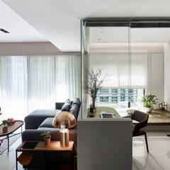 Oficinas de estilo  por 樸十設計有限公司 SIMPURE Design