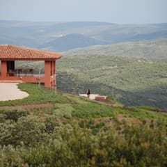 منزل ريفي تنفيذ Otto Medem Arquitecto vanguardista en Madrid,