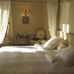 Bedroom by Otto Medem Arquitecto vanguardista en Madrid, Mediterranean