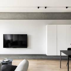 蘆洲LZ宅:  客廳 by 初向設計, 現代風